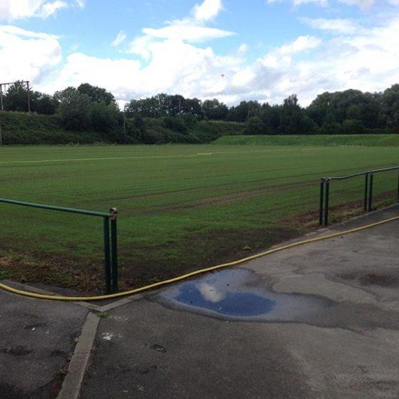 terrain de foot en rénovation