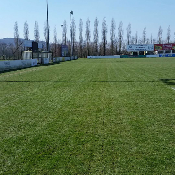 Terrain de foot rénové